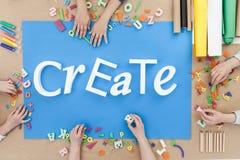 Créez le texte et le fond bleu Images libres de droits
