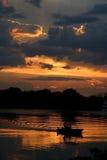 Crépuscule au fleuve de Zambezi Images libres de droits
