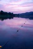 Crépuscule au lac Images libres de droits