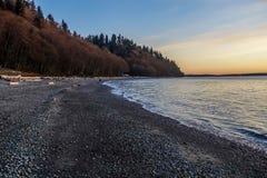 Crépuscule au parc de Seahurst, Washington image libre de droits