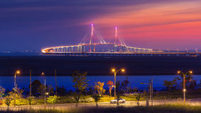 Crépuscule au pont d'Inchon Image stock