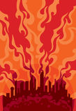 Crépuscule brûlant sur le fond de la ville Photos libres de droits