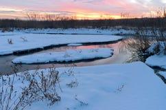 Crépuscule d'hiver à la réserve de vallée du Minnesota Images libres de droits