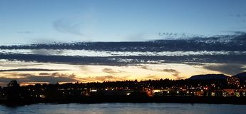 Crépuscule dans la ville Images libres de droits