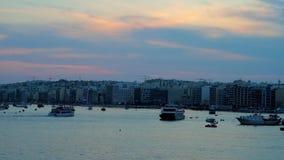 Crépuscule dans Sliema, Malte banque de vidéos