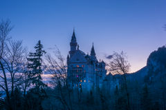 Crépuscule de château de Neuschwanstein images stock