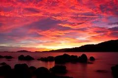 Crépuscule de coucher du soleil sur la mer andaman Photographie stock libre de droits