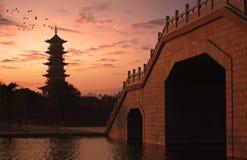 Crépuscule de la pagoda images stock