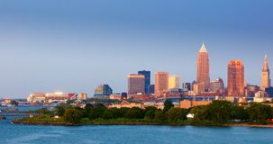 crépuscule de panorama de Cleveland Photos stock