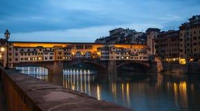 Crépuscule de Ponte Vecchio Florence Photographie stock libre de droits