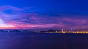 Crépuscule de Victoria Harbour, Hong Kong Photos libres de droits