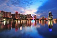 Crépuscule du centre d'Orlando Image libre de droits