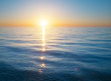 Crépuscule sur la mer photos libres de droits