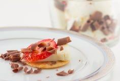 Crême de festin de fromage de fraise et glacée Photos stock