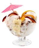 Crême glacée avec les fruits et le chocolat Photographie stock libre de droits