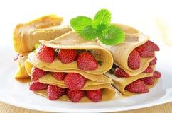 Crêpe de fraise Photographie stock libre de droits