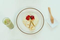 Crêpe de fraise de dessert Photographie stock libre de droits
