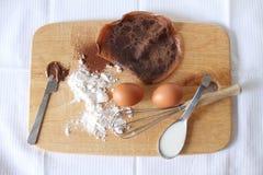 Crêpe dei pancake del cioccolato con gli ingredienti Immagine Stock Libera da Diritti