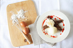 Crêpe del cioccolato con il gelato Vista superiore Immagini Stock Libere da Diritti