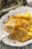 Crêpe Suzette de crêpe avec de la sauce orange image stock