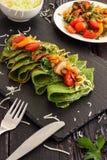 Crêpe verdi degli spinaci Immagine Stock