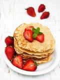 Crêpes avec des fraises Photo libre de droits