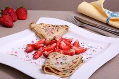 Crêpes avec la fraise Photographie stock