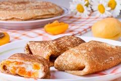 Crêpes avec le formage caillé Photos stock