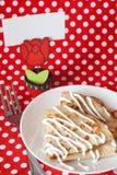 Crêpes délicieuses avec de la sauce pour le déjeuner Images stock