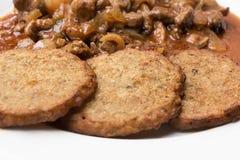 Crêpes de pomme de terre avec le mélange de viande Image libre de droits