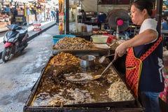 Crêpes frites de moule (Hoi Tod) à la nourriture thaïlandaise de rue Images libres de droits