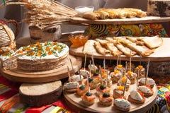 Crêpes russes le Mardi gras non rempli photo libre de droits