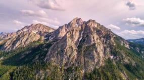 Crête aérienne de McGown dans les montagnes de dent de scie de la fin de l'Idaho  Photo libre de droits