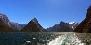 Crête célèbre de Milford Sound et de mitre Photos stock