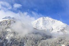 Crête couronnée de neige Image libre de droits