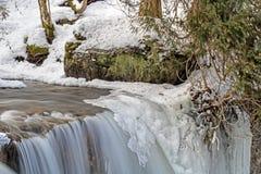 Crête couverte par glace des automnes de Hoggs images libres de droits