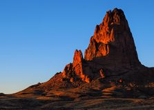 Crête d'Agathla à la vallée de monument de coucher du soleil Image libre de droits