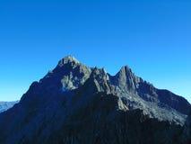 Crête de montagne au point le plus élevé du monde Photographie stock libre de droits