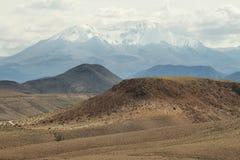 Crête de Nevado de Putre de vallée de Socoroma images libres de droits
