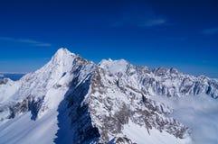 Crête de roche de Milou en Italie dans les montagnes photo stock