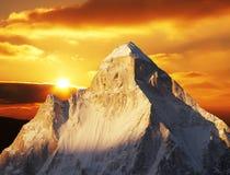 Crête de Shivling sur le coucher du soleil Image libre de droits