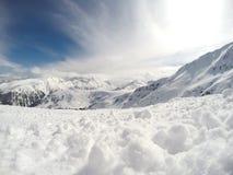 Crêtes de montagne avec la neige Image libre de droits