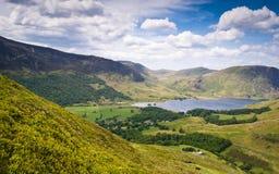 Crêtes de montagne, Cumbria Photos stock