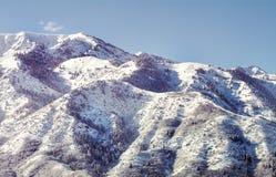 Crêtes de montagne de Wasatch en Utah du nord pendant l'hiver Images libres de droits