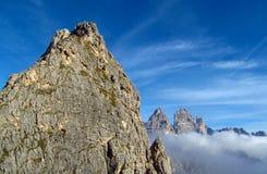 Crêtes de Tre Cime di Lavaredo, montagnes d'Alpes de Dolomit Image libre de droits