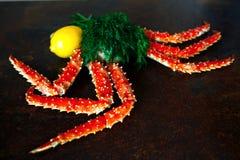Crab garras e camarão com opinião superior do limão e do aneto Imagem de Stock Royalty Free