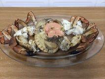Crabe avec de la sauce à crevette Images stock