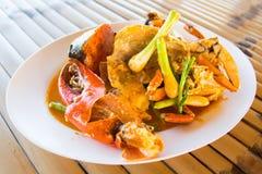 Crabe frit thaïlandais avec le cari Photos libres de droits