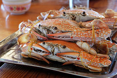 Crabes cuits à la vapeur Images stock
