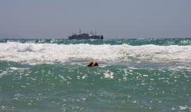 Crabot en mer Photographie stock libre de droits
